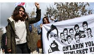 Devrimciler yaşıyor