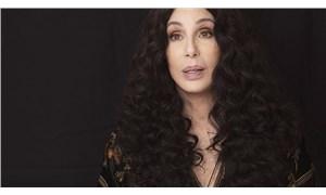 Cher, George Floyd tweet'i için özür diledi