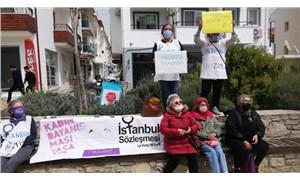 """Datça Kadın Platformu nöbet başlattı: """"İstanbul Sözleşmesi'ne sahip çıkıyoruz"""""""