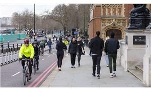 İngiltere'de Covid-19 aşı pasaportu uygulaması 15 Nisan'da başlayacak
