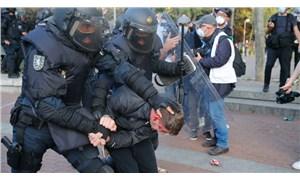 İspanya'da aşırı sağcı Vox Partisi'nden provokasyon mitingi: Polis, solculara saldırdı