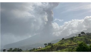 Karayipler'deki La Soufrière yanardağında patlama: Bölge halkı tahliye ediliyor