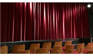 Hollanda'da tiyatroların bazı önlemler alınarak yüzde 50 seyirciyle açılması görüşülüyor