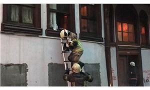Bursa'da tarihi bina yandı, çok sayıda kedi öldü