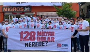 Adana'da CHP'nin '128 milyar dolar nerede?' pankartı kaldırıldı