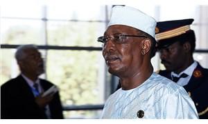 Çad Cumhurbaşkanı Deby cephe hattında yaşanan çatışmada hayatını kaybetti