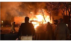 Pakistan'da otel otoparkında patlama: 4 kişi öldü, 12 kişi yaralandı