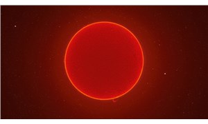 ABD'li fotoğrafçı McCarthy, 100 bin kare çekerek Güneş'in 230 megapiksel fotoğrafını oluşturdu