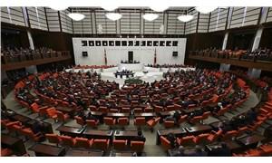 CHP'nin emeklinin bayram ikramiyesine zam teklifi AKP ve MHP'nin oylarıyla reddedildi