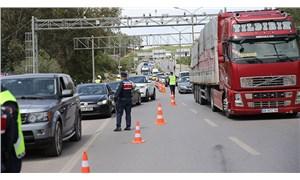 Tam kapanamama: 3 günde 24 bin araç giriş yaptı, Bodrum'un nüfusu 4'e katlandı