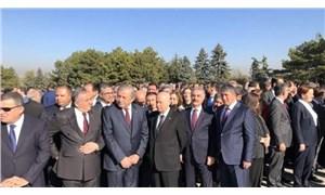 CHP ile MHP arasında 'elleri arkadan bağlama' atışması: Bahçeli'nin Anıtkabir'deki fotoğrafı ortaya çıktı