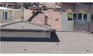 Burdur'da çatıda çıplak güneşlenen adam gözaltına alındı