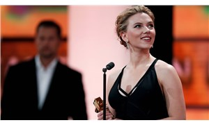Oyuncu Scarlett Johansson'dan 'Altın Küre'den çekilme çağrısı
