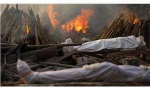 Hindistan'da salgın durdurulamıyor: Günlük can kaybı sayısında yeni rekor!