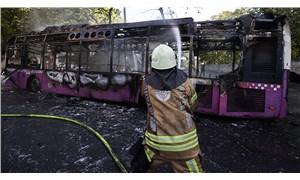 Sarıyer'de park halindeyken alev alan otobüs kullanılamaz hale geldi