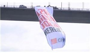 Boğaziçi Köprüsü'nde dev pankart: 128 Milyar Dolar Nerede?