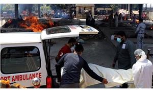 Hindistan'da Covid-19 salgınında günlük ölüm sayısı en yüksek seviyede
