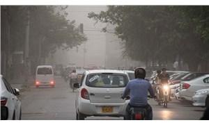Pakistan'da kum fırtınası: 5 ölü