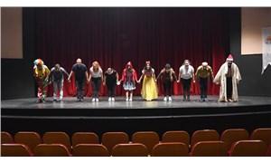 Adana Büyükşehir Belediyesi'nden tiyatroculara nakdi destek