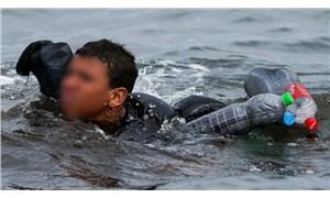 Fas'tan İspanya'ya mülteci akını: Mülteci çocuk pet şişeyle yüzerek kıyıya ulaştı