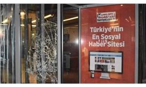 """Peker'in """"Ben yaptırdım"""" dediği Hürriyet gazetesi baskını Hürriyet'te haber olmadı, eski Hürriyet yazarı tepki gösterdi"""