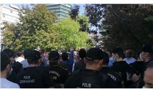 Davutoğlu'nun Meclis önündeki basın açıklamasına polis engeli: Barikat kuruldu!