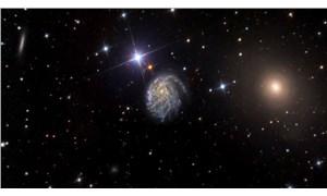 Hubble Uzay Teleskobu, deforme olmuş galaksiyi görüntüledi