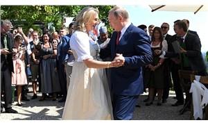 Düğününde Putin ile dans eden eski Avusturyalı bakan, Rus petrol devine yönetim kurulu üyesi oldu