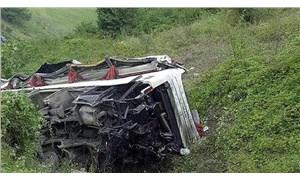 Peru'da otobüs uçuruma yuvarlandı: 17 ölü