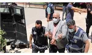 Didim Belediye Başkanı Atabay'a saldıranlardan adliye önünde Rabia pozu