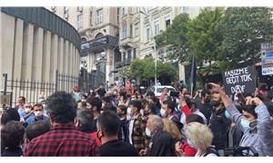 HDP İzmir il binasına yönelik saldırı Şişhane'de protesto edildi