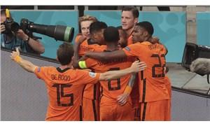 Hollanda son 16 turuna çıkmayı garantiledi