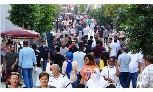 Kısıtlama gününde İstiklal Caddesi'nde yoğunluk