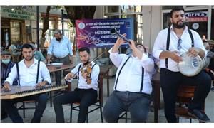 Kuşadası'nda müzisyenlere destek konserleri