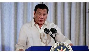 Duterte'den Covid-19'la mücadelede yeni aşama: Ya aşı, ya hapis
