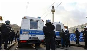 Almanya'da bıçaklı saldırı: 3 ölü