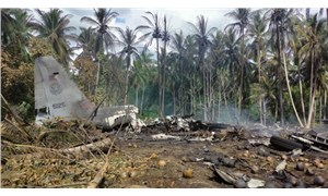 Filipinler'de düşen askeri uçakta 45 kişi öldü