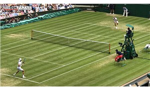 İşçilerin tenis raketi
