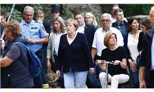 Almanya'da ölü sayısı 180'i geçti; Merkel bölgeye gitti
