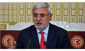 AKP'li Metiner: AK Parti'de her düzeyde ciddi bir kibir-böbürlenme sorunu var