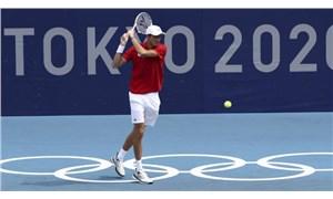 Rus tenisçi Medvedev, sıcak hava nedeniyle kortta fenalaştı