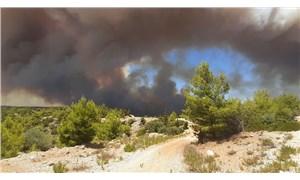 Manavgat'ta yangın sürüyor: AFAD, 3 kişinin yaşamını yitirdiğini açıkladı