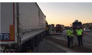 Gaziantep'te TIR, tarım işçilerini taşıyan minibüse çarptı: 3 ölü, 16 yaralı