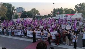 Kadınlar, katledilen Azra Gülendam Haytaoğlu için sokaklarda
