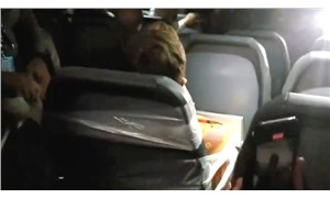 ABD'de uçaktaki hostesleri taciz eden yolcu, koli bandıyla koltuğa bantlandı