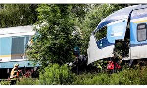 Çekya'da iki yolcu treni çarpıştı: 2 ölü, 50 yaralı