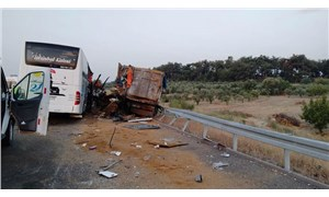 Soma'da TIR otobüse çarptı: 6 kişi öldü, 37 kişi yaralandı