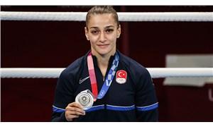 Buse Naz Çakıroğlu, boksta gümüş madalyanın sahibi oldu