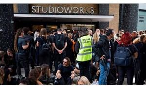 İngiltere'de aşı karşıtları BBC'nin binasını basmaya çalıştı