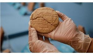 """İstanbul Arkeoloji Müzesi'nde sergilenen 3 bin 700 yıllık kil tablet """"en eski uygulamalı geometri örneği"""""""